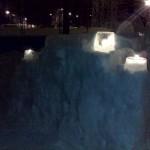 Снежная крепость с свечами